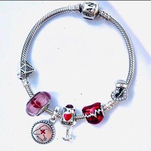 Pandora bracelet 'nurse love'